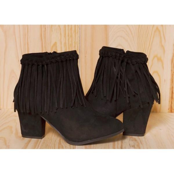 ankle boots mit blockabsatz und fransen clove shop. Black Bedroom Furniture Sets. Home Design Ideas